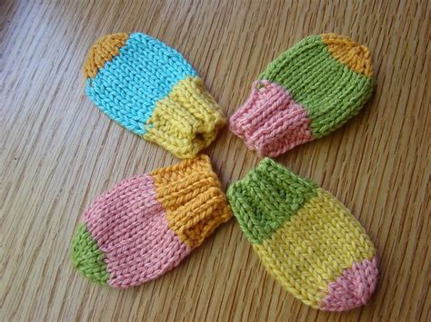 free baby mittens knitting pattern thumbless baby mitts you could add a simple crochet chain