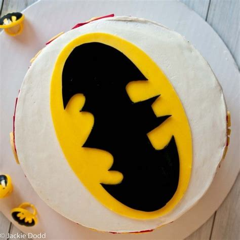 batman logo cake template best 25 easy batman cake ideas on batman