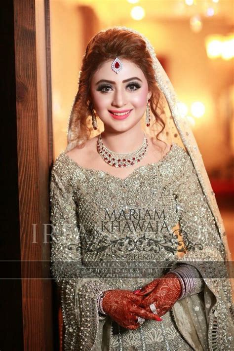 casual hairstyles with dupatta on head best ways to style or drape dupatta with different