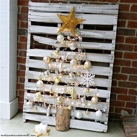christmas decorations made from wood pallets pallet wood home decor ideas pallet wood projects