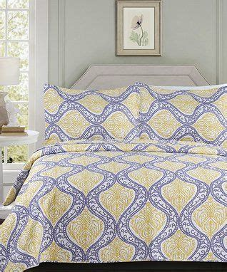 gray yellow medallion naples quilt set bedroom quilt sets grey yellow quilts