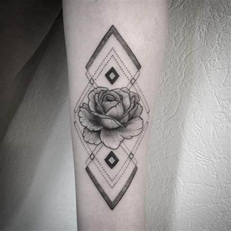 geometric tattoo là gì 70 gorgeous rose tattoos that put all others to shame