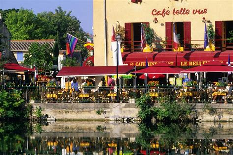 Charmant Chambre D Hotes Isle Sur La Sorgue #1: 03-cafe-belle-vue-isle-sorgue.jpg?itok=udFLwP-o