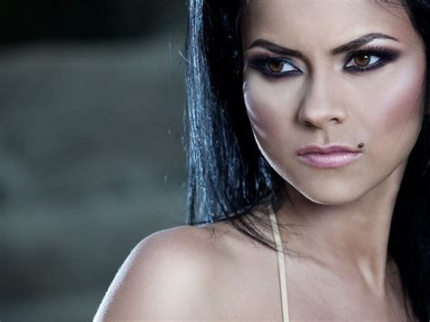 inna biography in english romanian singer inna for the first time in concert in