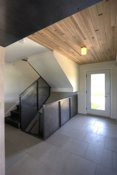 House Alchemy by Alchemy Architects Create Modern Barn House In Rural