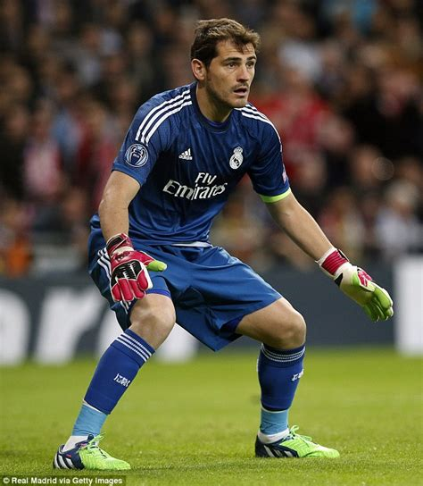 barcelona goalkeeper history victor valdes stats prove barcelona legend beats real