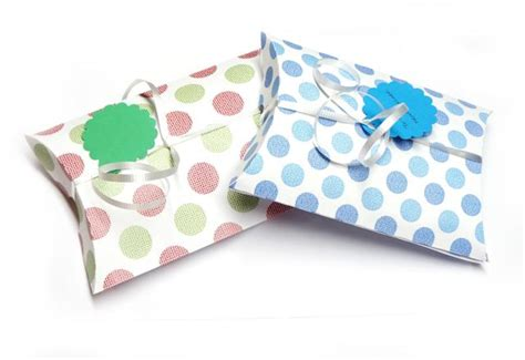 How To Make A Paper Pillow - how to make a pillow box for gift cards especially paper