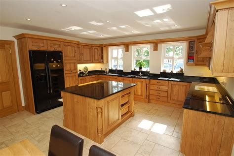 Mobile Island Kitchen by Internal Pictures Scott Homes