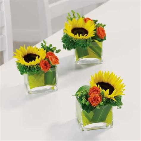 small flower arrangements for tables flower centerpiece ideas simple fall flower arrangements