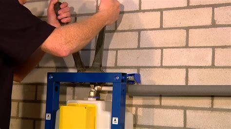 bevestiging hangend toilet wisa montagevideo wisa xs inbouwsysteem toilet youtube