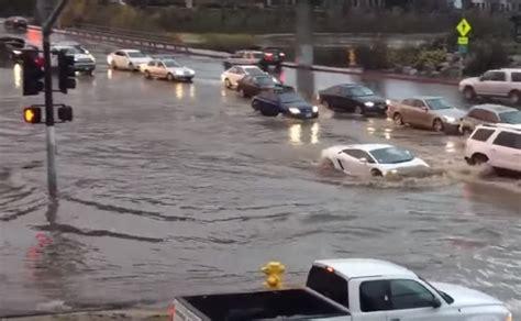 lamborghini in san diego lamborghini gallardo drives through san diego flood like a