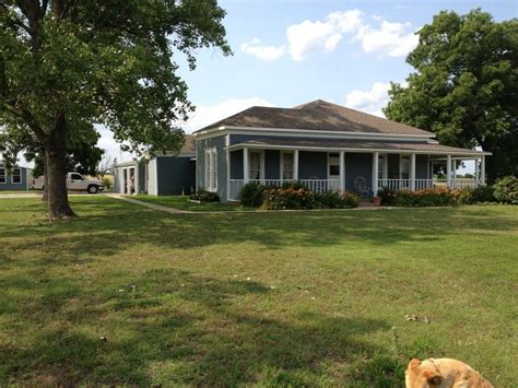 Farm Dallas by Paula Denmon Town And Country Real Estate Brokered