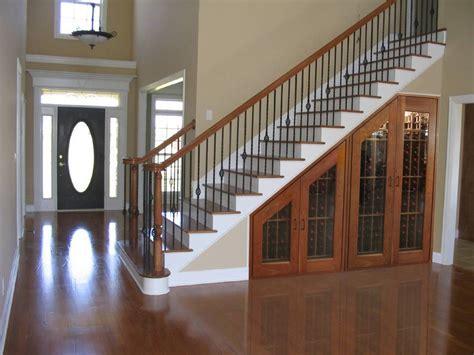 desain lemari bawah tangga minimalis dinerbacklot
