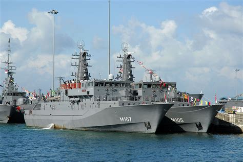 scout vs sea hunt boats republic of singapore navy