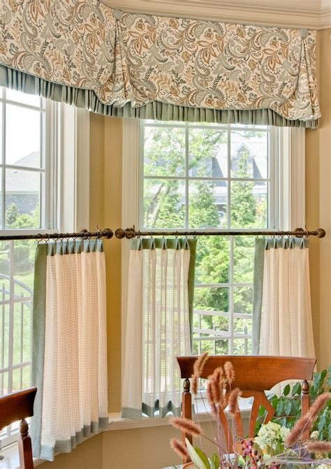 Curtains For Big Kitchen Windows Best 25 Cafe Curtains Kitchen Ideas On Kitchen Curtains Cafe Curtains And Yellow