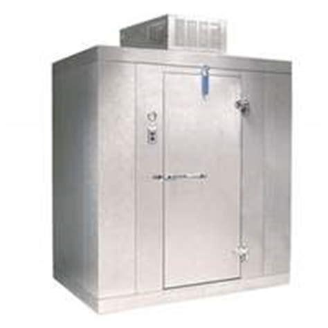 outdoor edge walk in cooler walk in coolers freezers refrigeration solutions