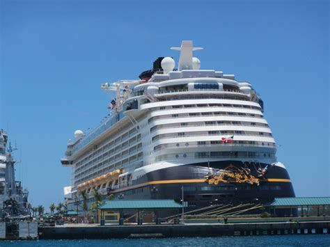 top 10 things to about back to back cruising on disney cruise line magical distractions