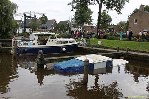 gezonken boot 112groningen boot gezonken in jachthaven van zuidbroek