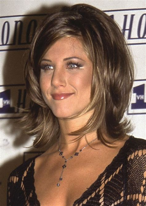 Aniston Friends Hairstyles by 20 Of Aniston S Most Iconic Hairstyles Best