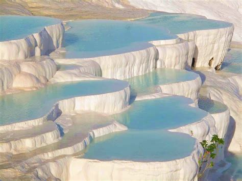pamukkale thermal pools beautiful places to see the cotton castle hierapolis