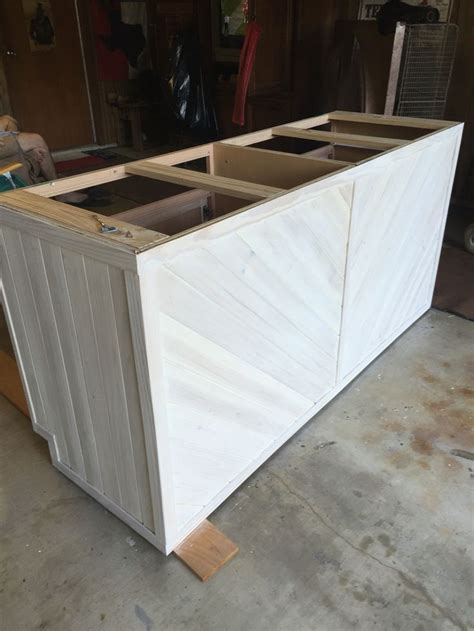 kitchen island base cabinets 25 best ideas about base cabinets on pinterest man cave