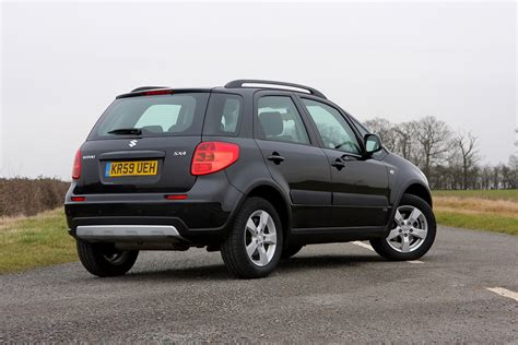 Sx4 Suzuki by Suzuki Sx4 Hatchback Review 2006 2014 Parkers