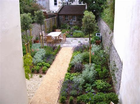138 best long thin pretty garden images on pinterest small gardens decks and driveways