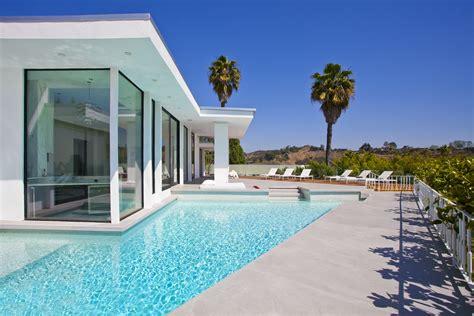 Swimming Pool House Plans hollywood modern homes modern house