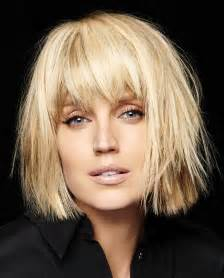 medium choppy hairstyles 40s a medium blonde hairstyle from the fall winter 2016 2017