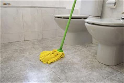 how to mop bathroom floor can i clean the bathroom floor with toilet bowl cleaner