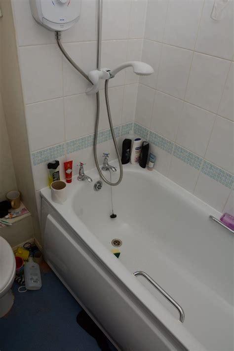 bathtub murders becky watts murder trial jurors shown bathtub where