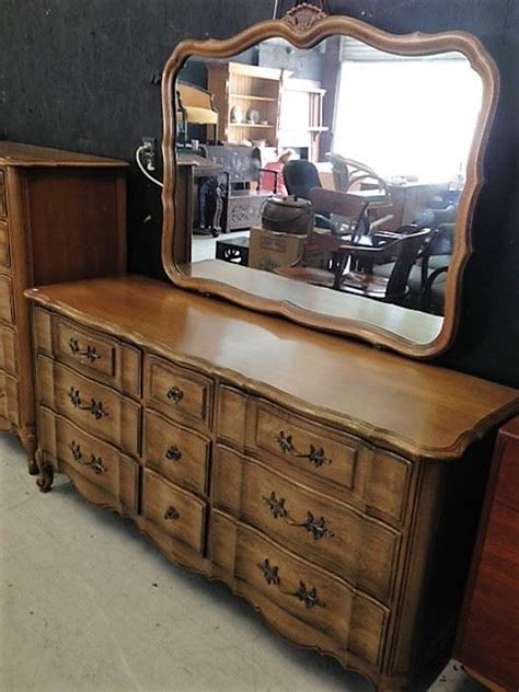 thomasville french provincial bedroom set the elliot eleanor bergman estate auction starts on 5 5 2017