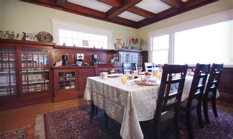 bed and breakfast hood river villa columbia bed breakfast in hood river or groupon