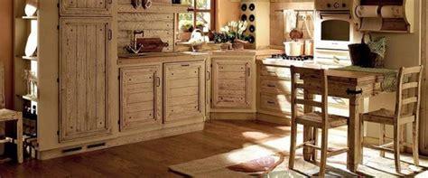 giulietta in cucina zoccolature cucina