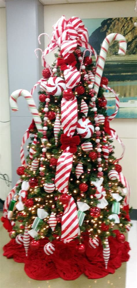 outdoor candycane ribbon tree keeping the ribbon trees and