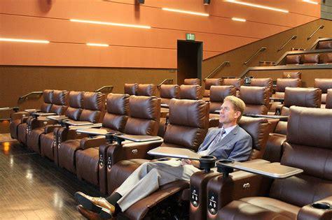 lincoln theatre bellevue bellevue s cinemark reserve lincoln square creates a new