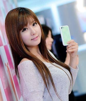 contoh model rambut panjang korean style