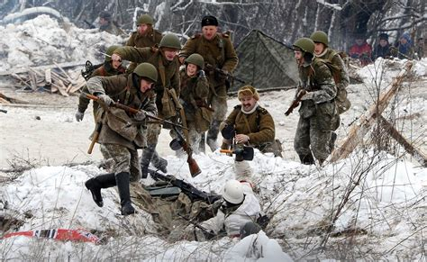 siege army russia remembers 900 day leningrad siege 70 years later