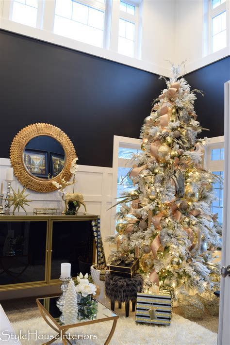 decorate your christmas tree like a professional how to decorate your tree like a pro style house interiors