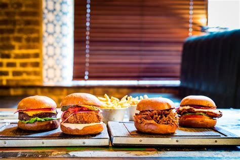 Kitchen Trend ed s easy diner and gourmet burger kitchen partner with