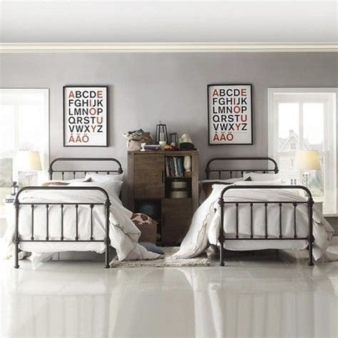 iron framed beds the 25 best ideas about metal bed frame on