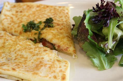 Crepe Kitchen by Review The Cr 234 Pe Kitchen Look Local Oakville And