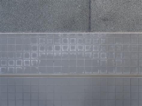 unterschied feinsteinzeug fliese verf 228 rbungen fliesen und platten sch 228 den baunetz wissen