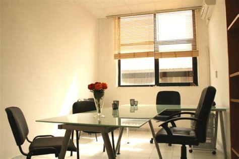 segretaria ufficio legale stanza studio legale