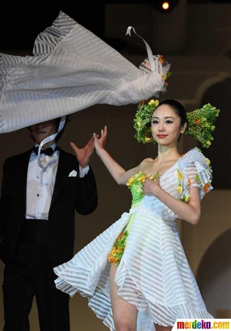 Gaun Pengantin 006 foto gemerlap gaun pengantin bercahaya koleksi desainer