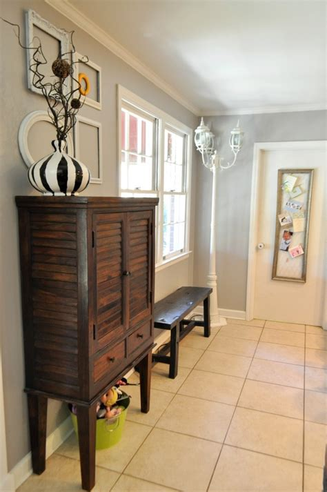 sherwin williams essential gray the hutch frames decor and front entrances on