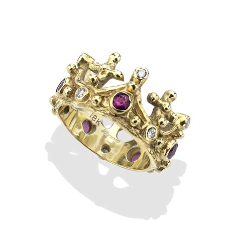 ruby 18kt gold crown ring