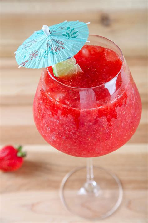 daiquiri cocktail easy way to make strawberry daiquiri