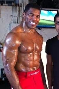 with herschel walker in mind is it safe to perform 750 push ups and sit ups daily to build a