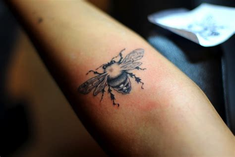 bee tattoos and designs page 258
